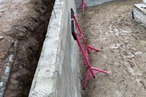 Réalisation d'un mur de soutènement et aménagement – chantier en cours